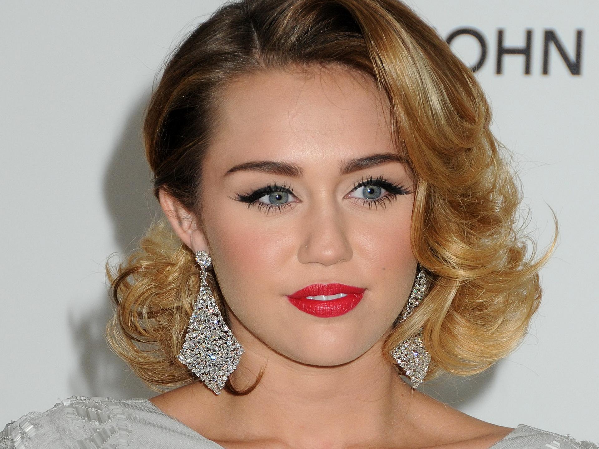 Miley Cyrus / マイリー・サイラス